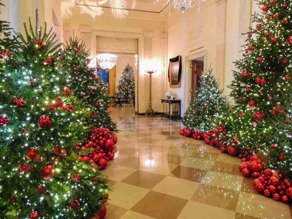 White House Christmas (Kennedy portrait)