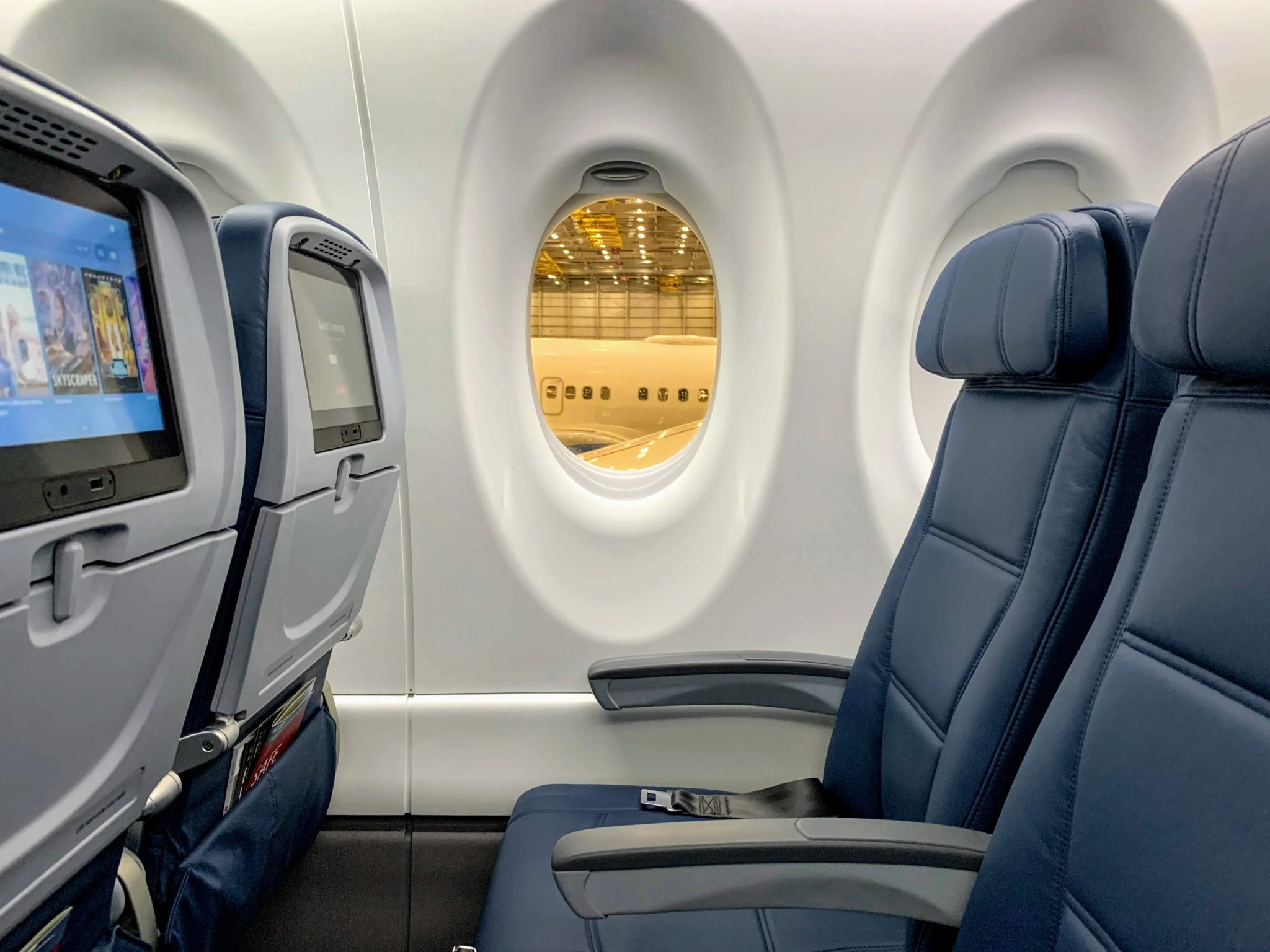 I Toured Delta S Brand New Airbus A220 Here S What To Expect