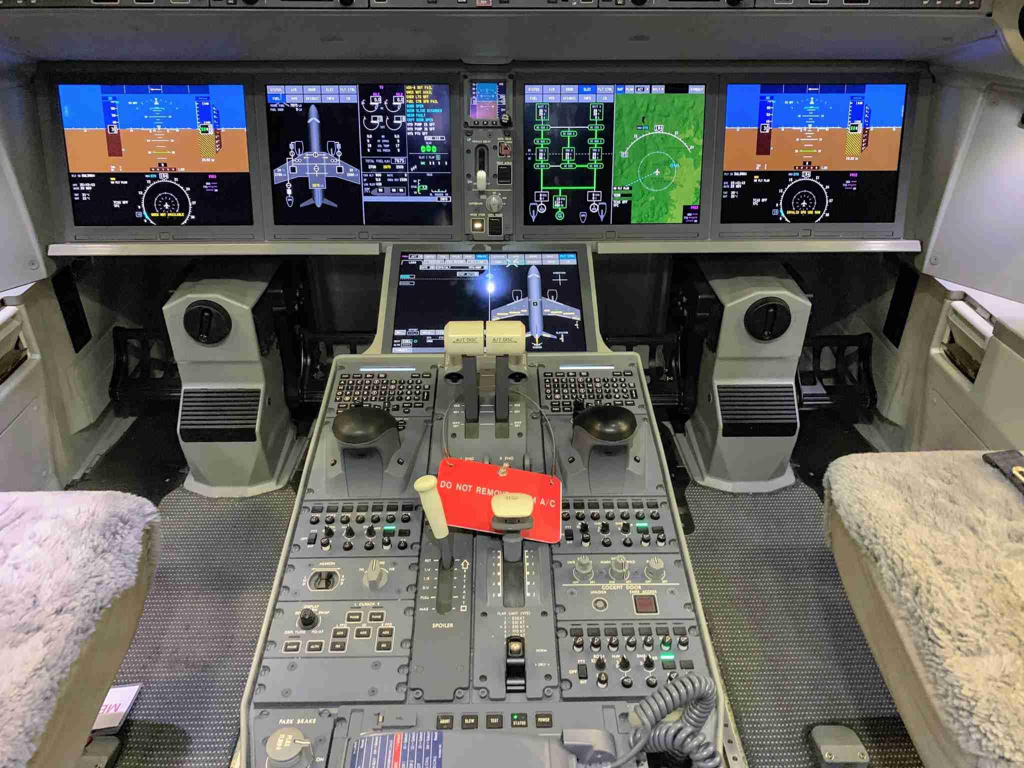 Delta Airbus A220 C Series CS100 Preview at ATL - zoom