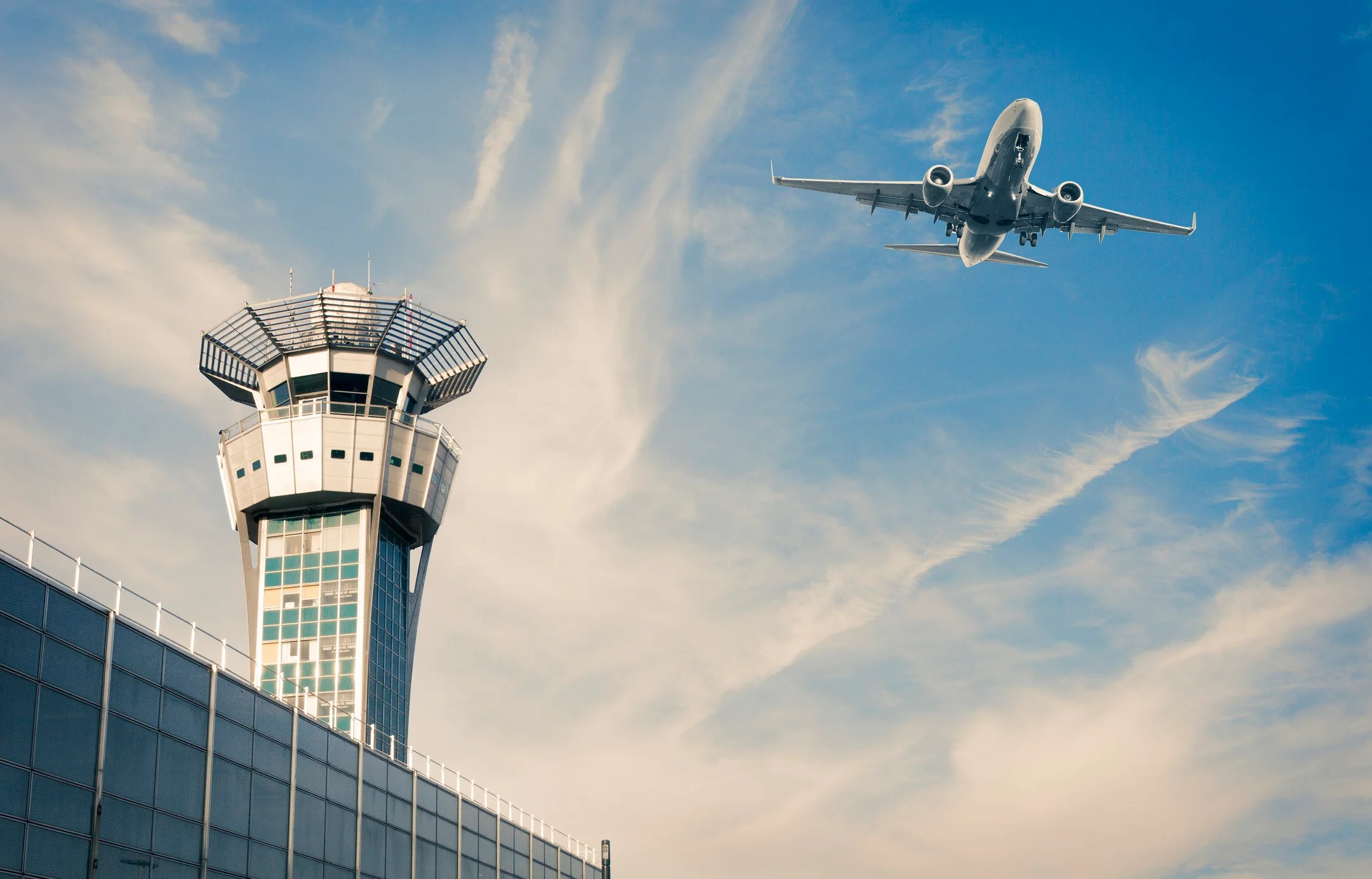 French Air Traffic Controllers Plan Strike During Pre-Holiday Rush