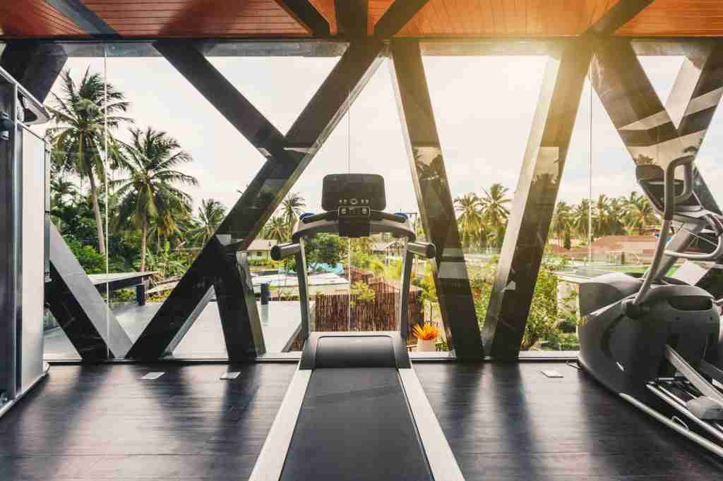 Choose a hotel with a gym whenever possible. (Photo via Shutterstock)