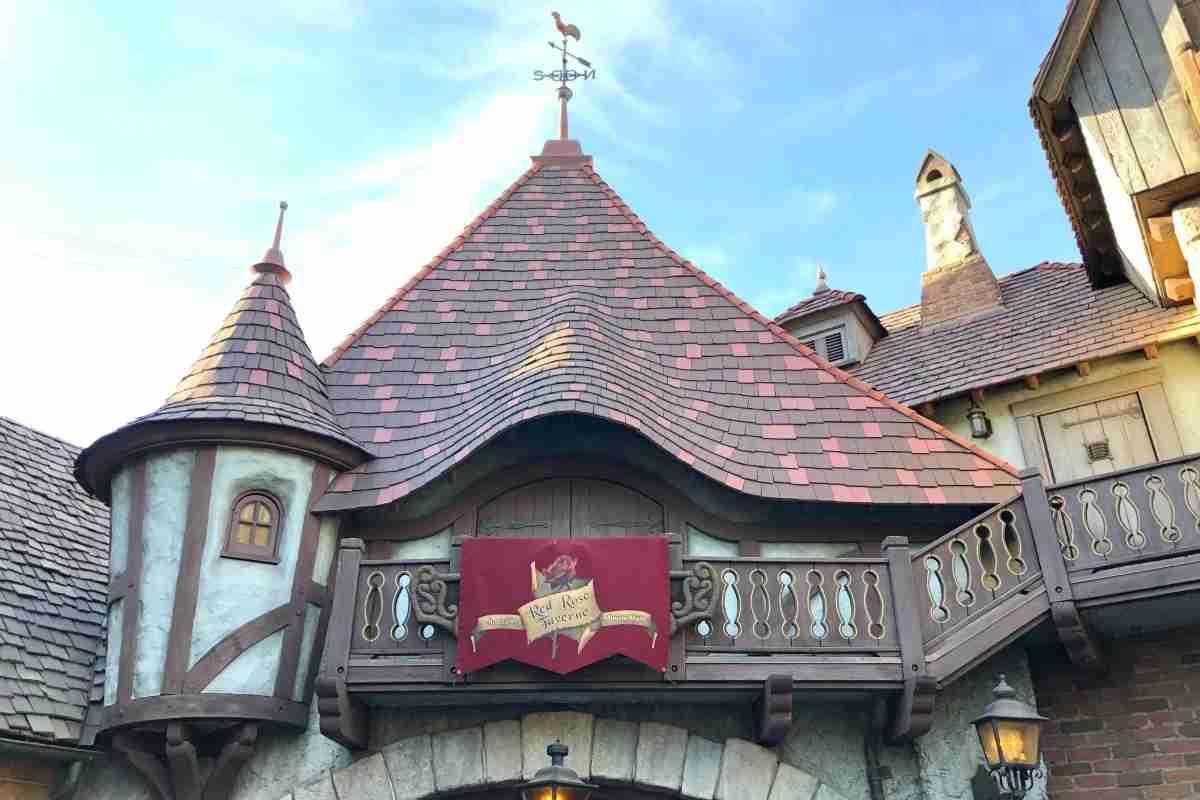 Best Disneyland Restaurants for Families - Red Rose Taverne