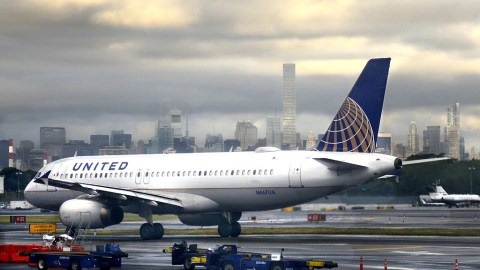 United Adding More First Class Seats to Airbus A319s and A320s