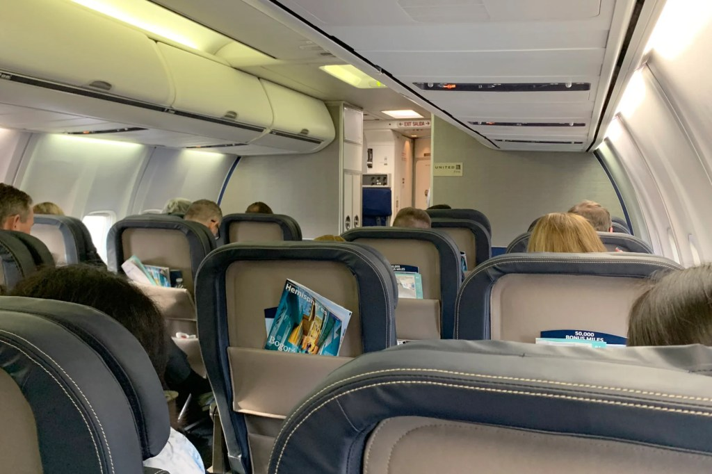 United 757 300 First Class Review From Lax To Chicago