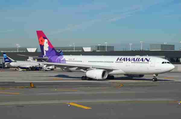 A Hawaiian Airbus A330 at New York JFK. (Photo by Alberto Riva/TPG)