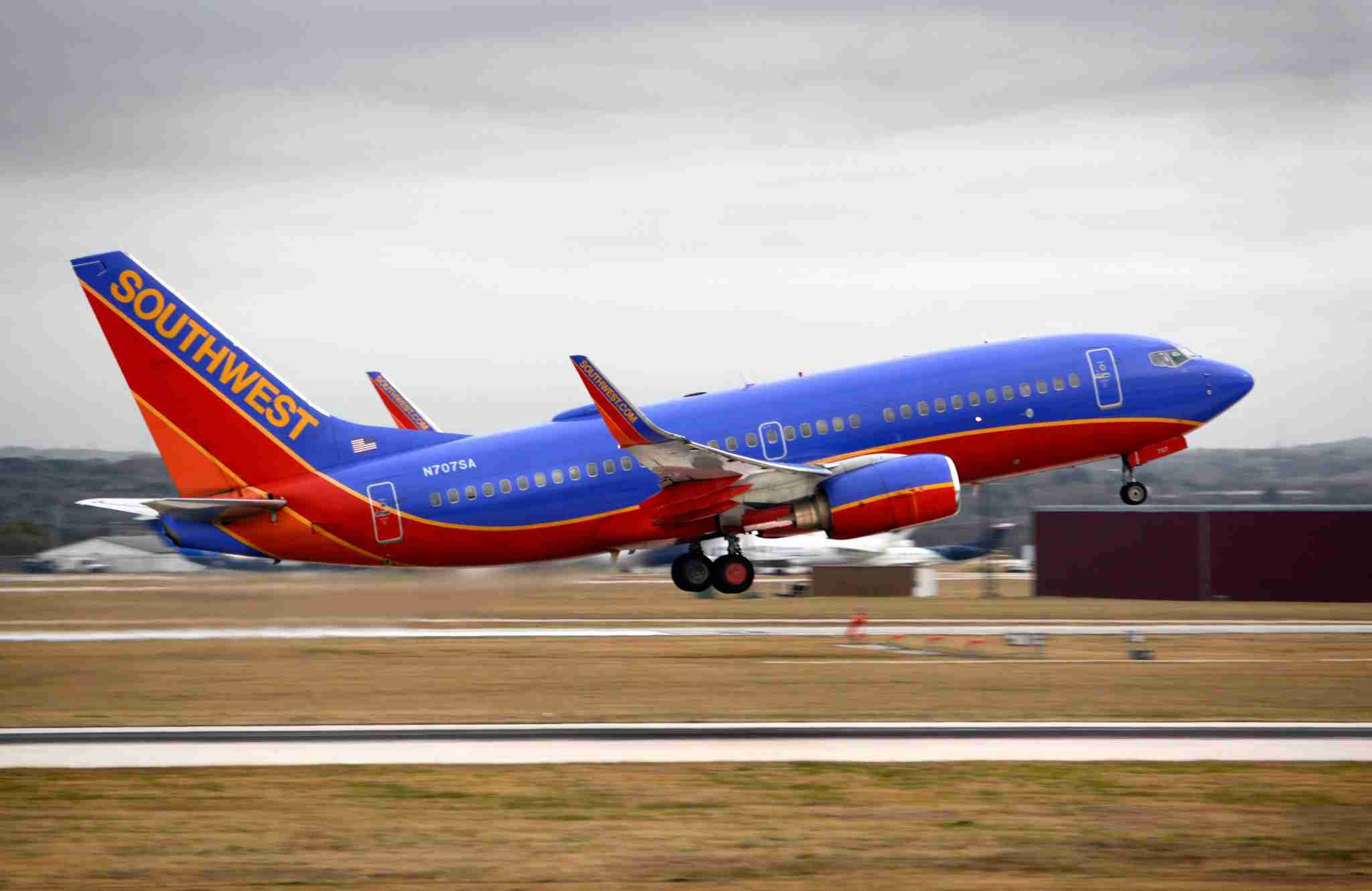 SAN ANTONIO, TEXAS - DECEMBER 12, 2018: A Southwest Airlines Boeing 737 passenger jet takes off from San Antonio International Airport in Texas. (Photo by Robert Alexander/Getty Images)