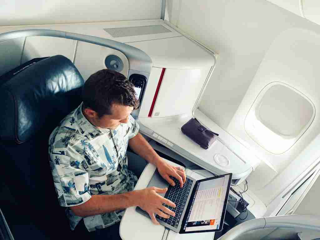 air-france-business-class-seat-cabin-working