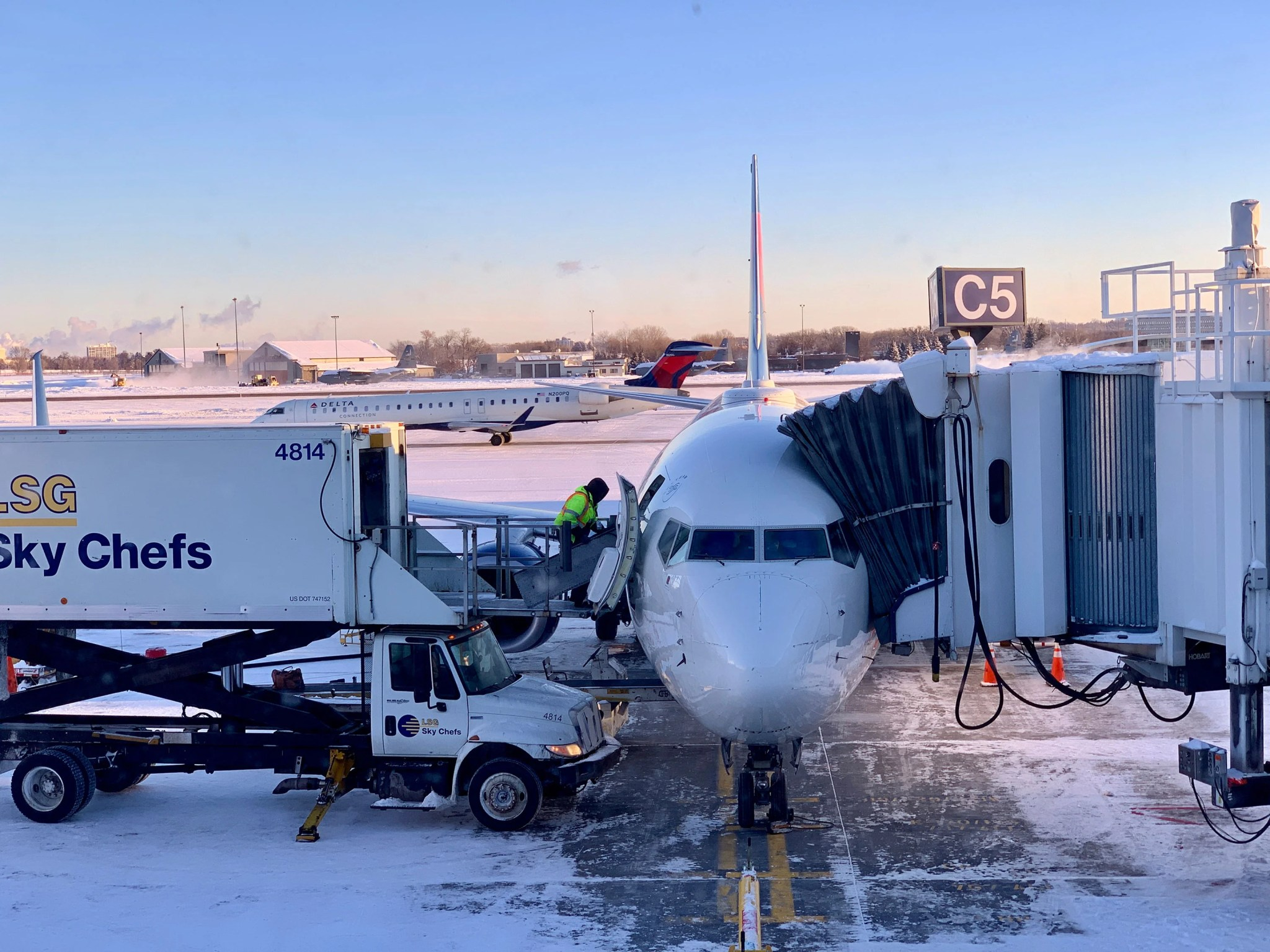 A Comprehensive Guide to Delta Air Lines' Same Day Flight Change
