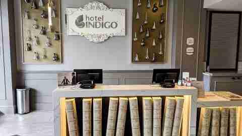 Hotel Indigo Birmingham front desk