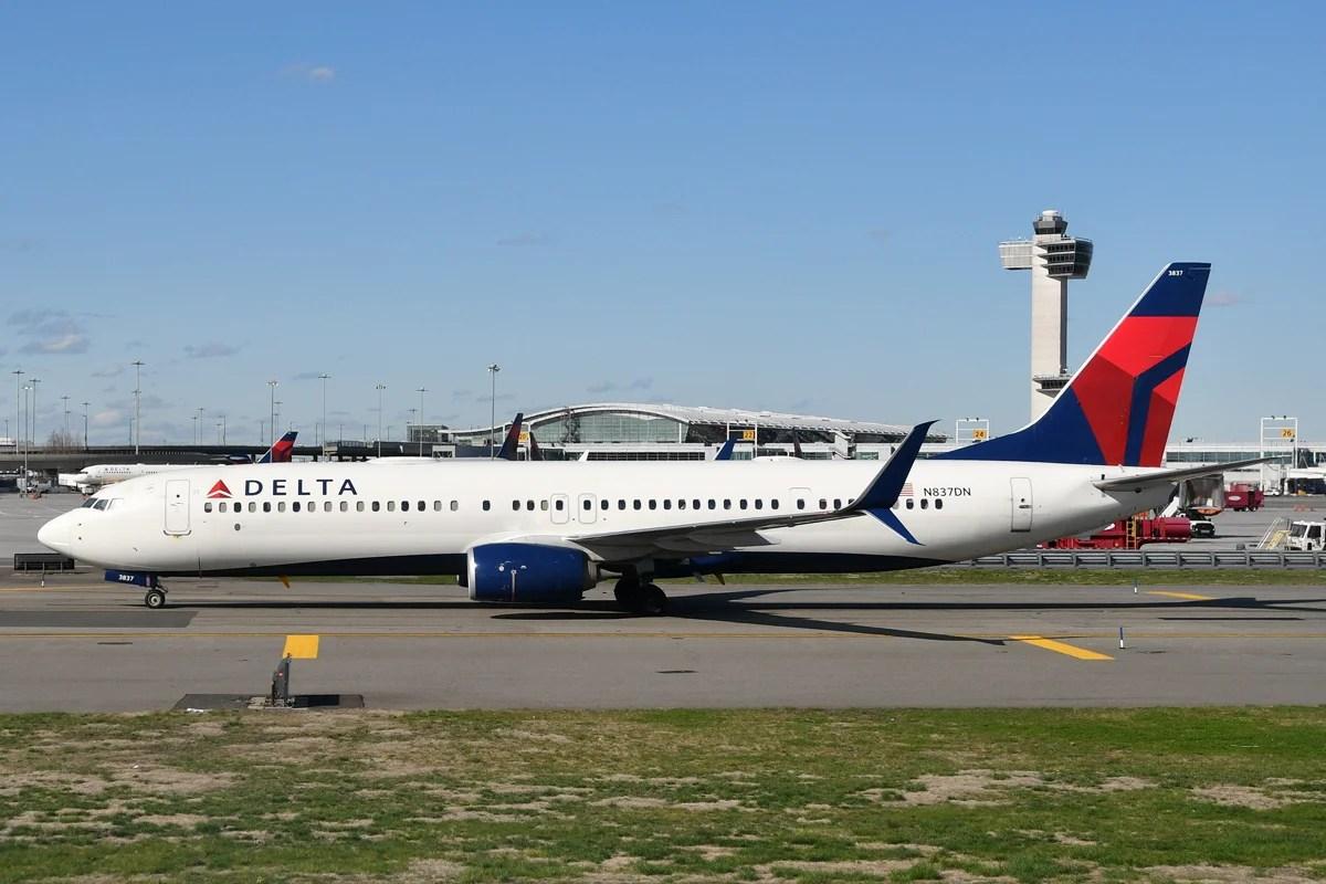 A Delta Boeing 737-900ER at JFK (Photo by Alberto Riva/TPG)