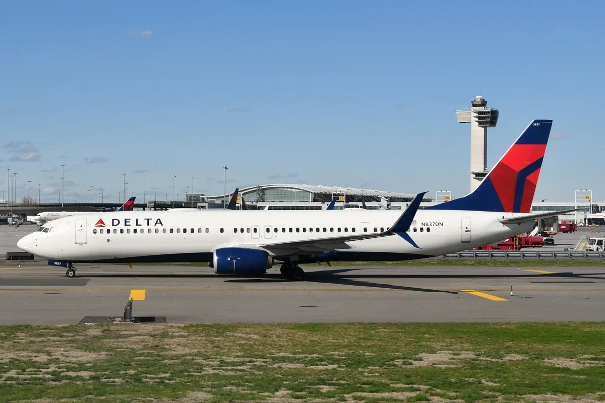 A Delta Boeing 737-900ER at JFK (Photo by Alberto Riva/TPG)