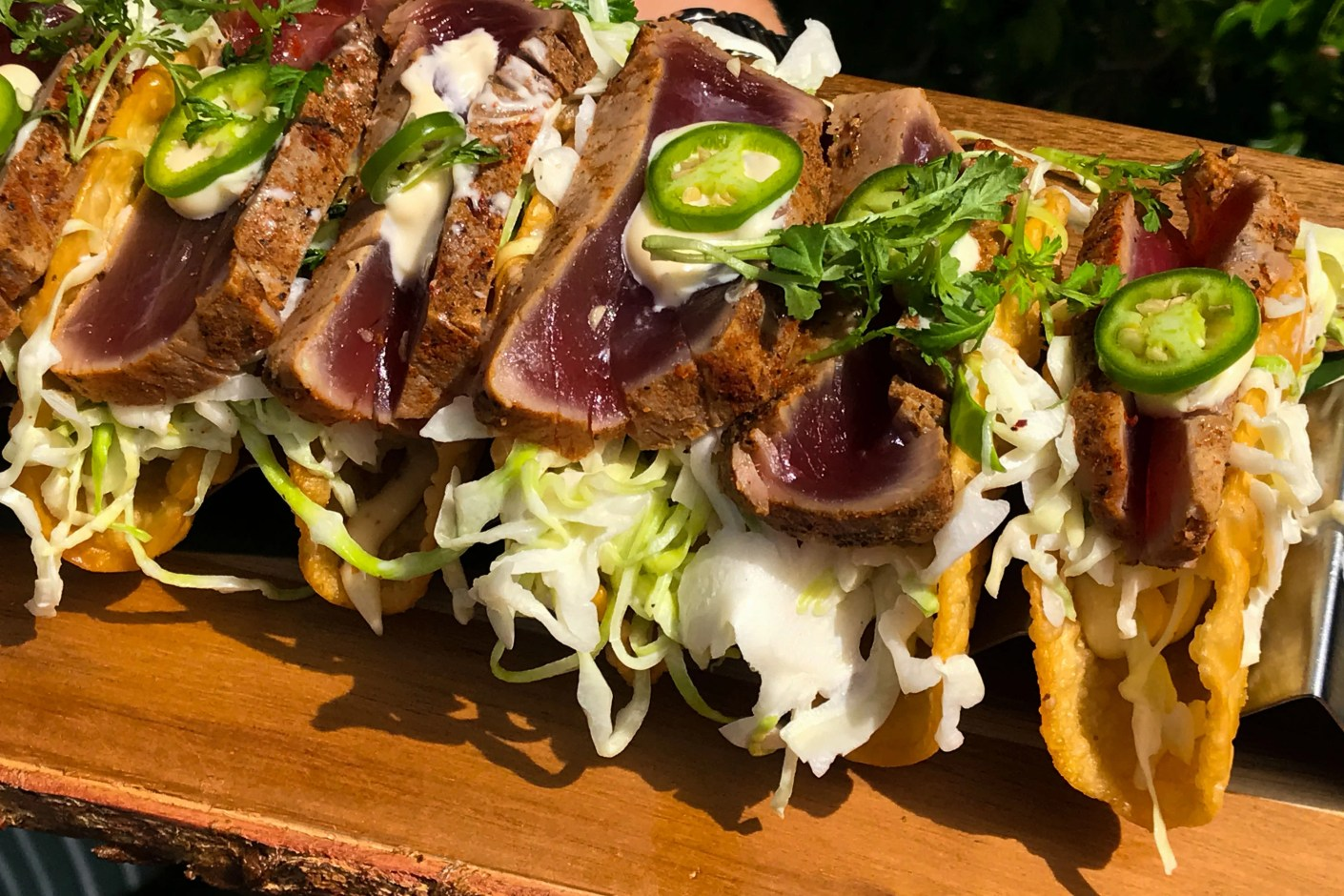 Finally got to try the mini seared ahi tuna tacos. (Photo by Patrick T. Fallon/The Points Guy)