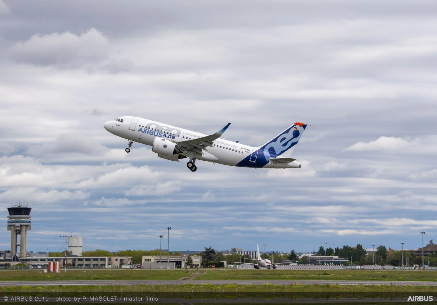 First flight of A319neo with P&W GTF engines. Photo by Airbus.