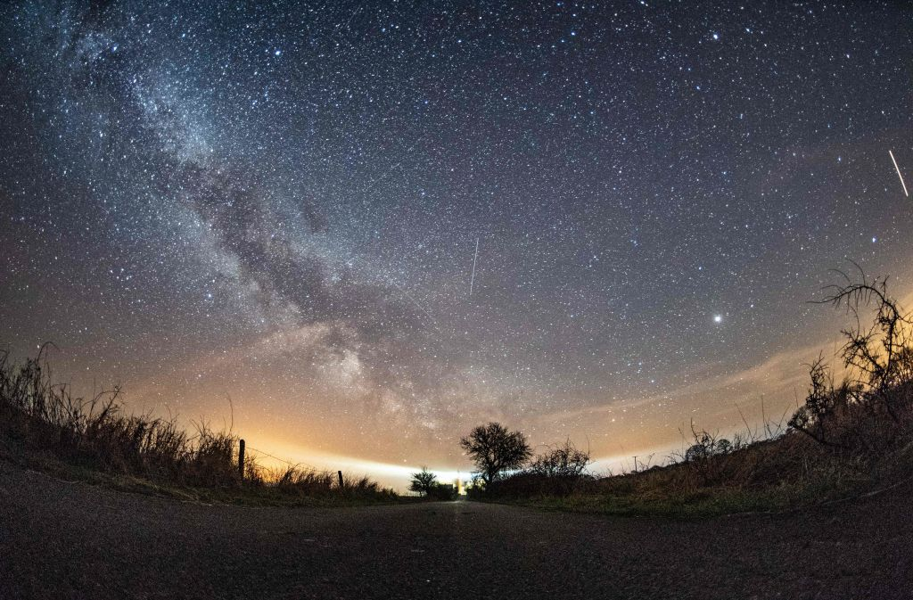 You Can Watch the Lyrid Meteor Shower Tonight From Your Backyard