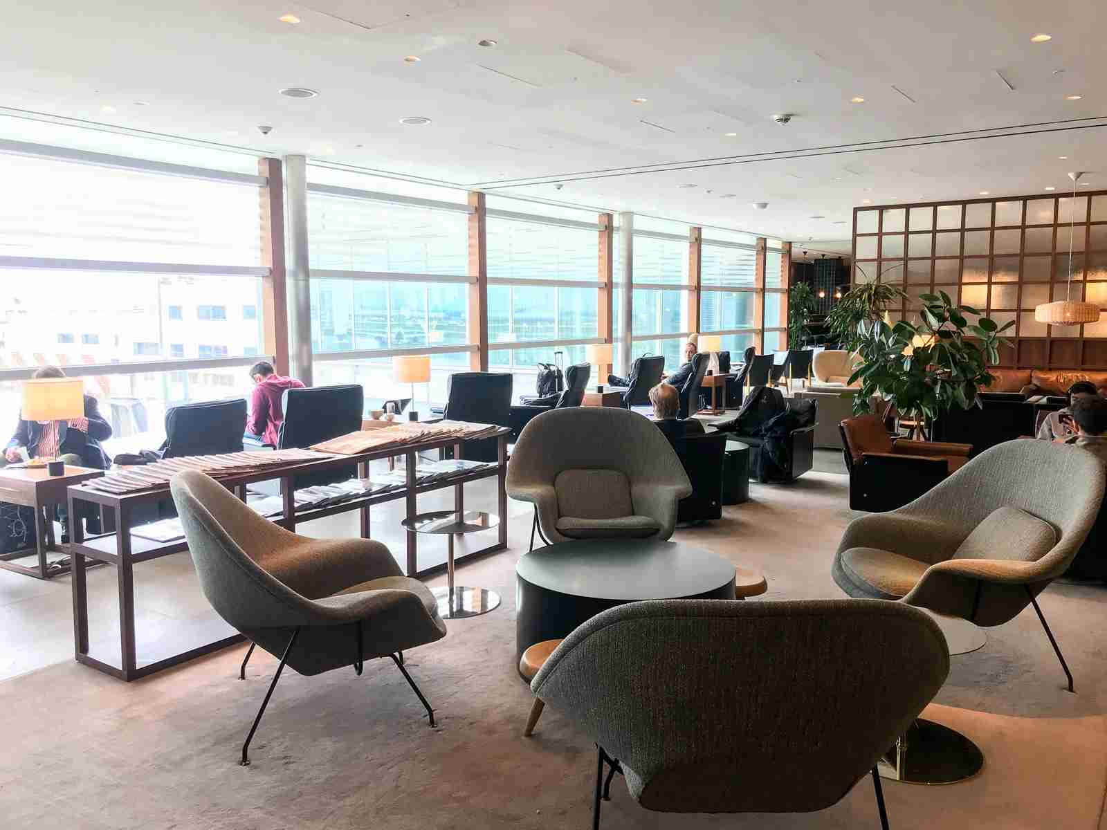 Cathay Pacific lounge in LHR Terminal 3. (Photo by Daniel Ross/The Points Guy)