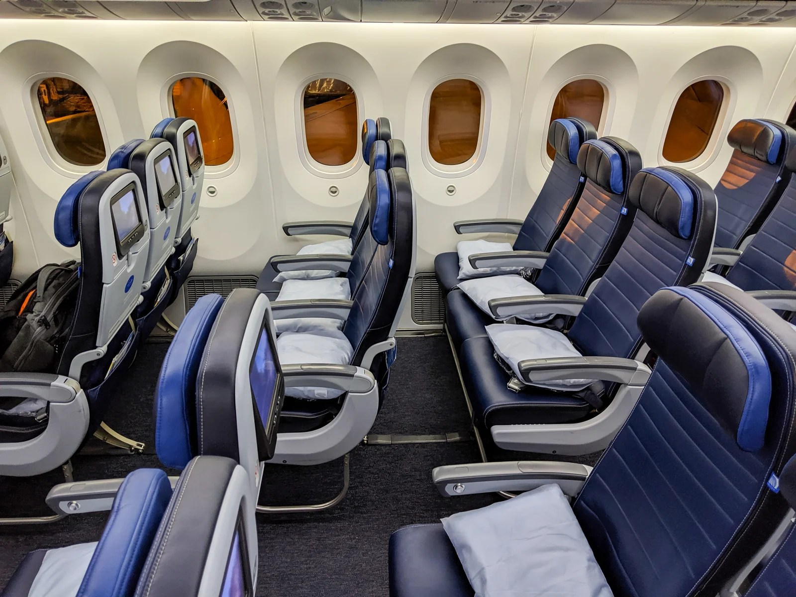 United awards from 6k points, Lufthansa first for 70k points with new transfer bonus