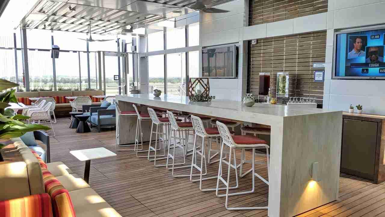 Delta Austin Lounge by Katherine Fan