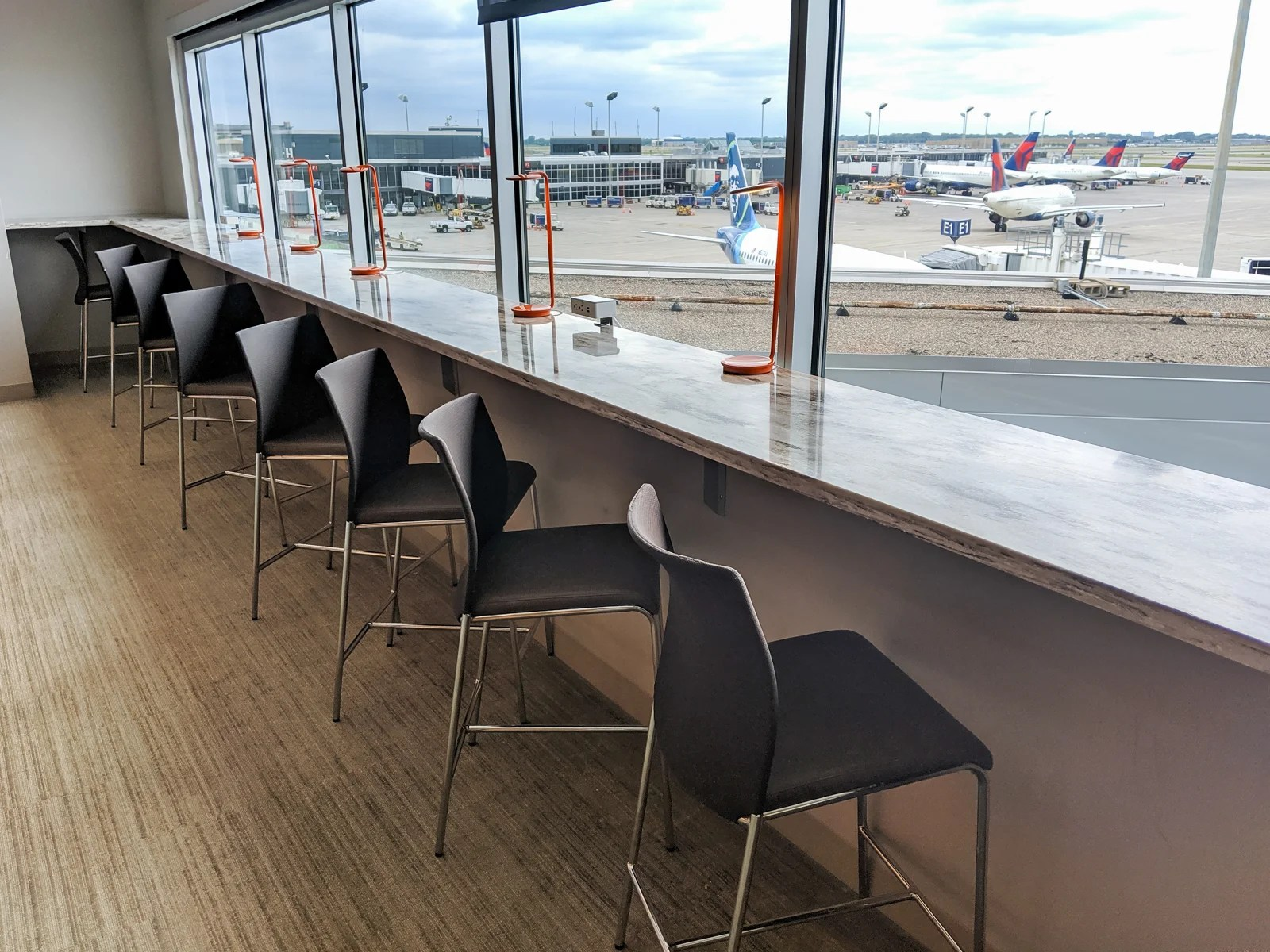 Lounge Review: The Escape Lounge at MSP Terminal 1