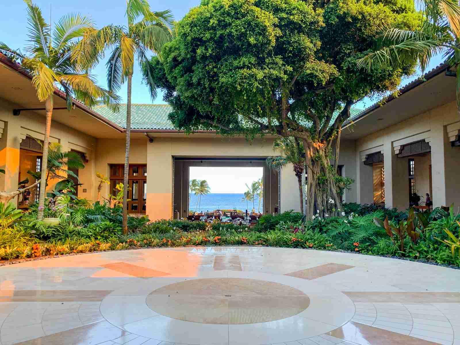 Entrance to the Grand Hyatt Kauai (Photo by Summer Hull / The Points Guy)
