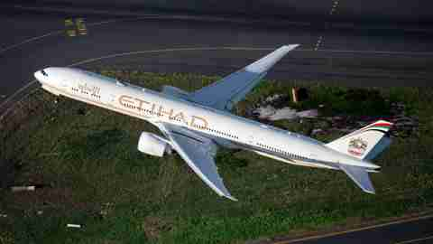 Etihad-777-300ER-old-livery-3-at-Sydney-Airport-SYD