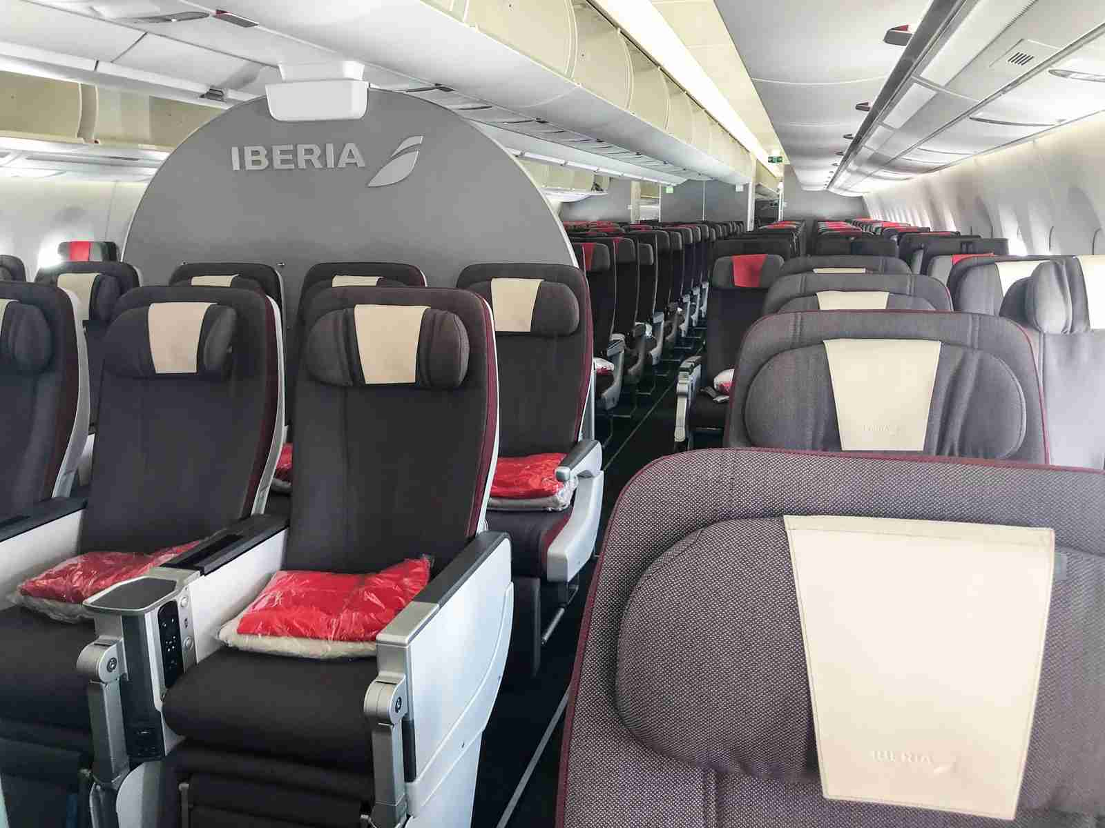 Premium Economy class on an Iberia A350 (Photo by Lori Zaino/TPG)
