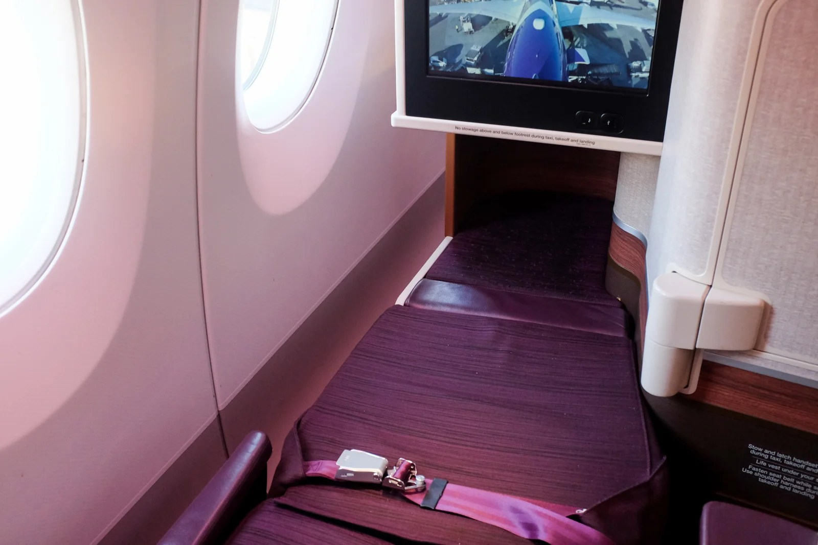 Sky Family: Thai Airways on a A350-900 in Business Class From