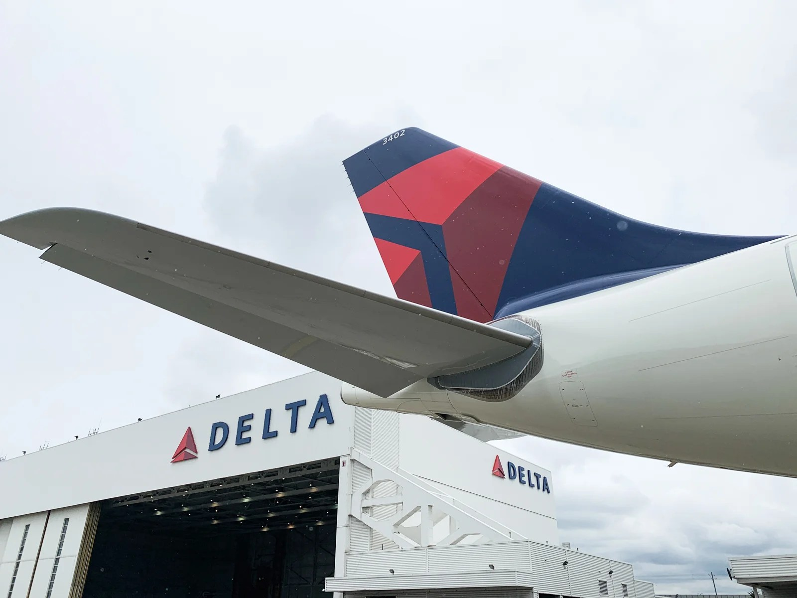 The reason Delta doesn't have free W-Fi yet? Tech limits, CEO says