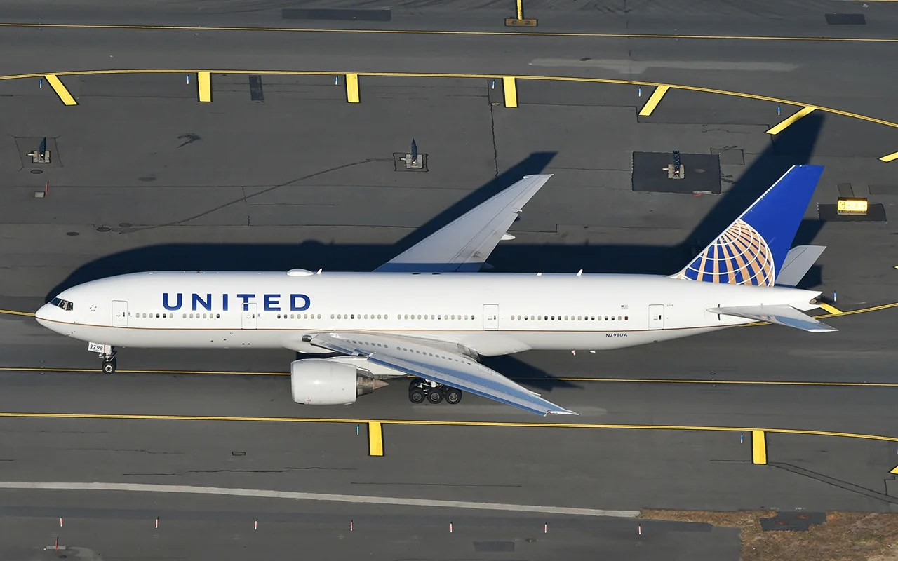 Flying United? Don't switch seats once you're on board