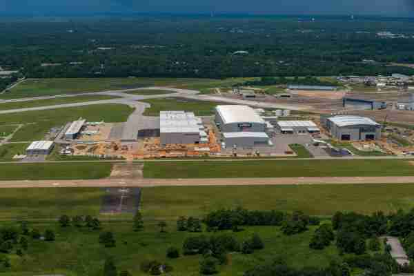 The Airbus A220 and A320 final assemble lines in Mobile, Alabama. (Photo courtesy of Airbus)