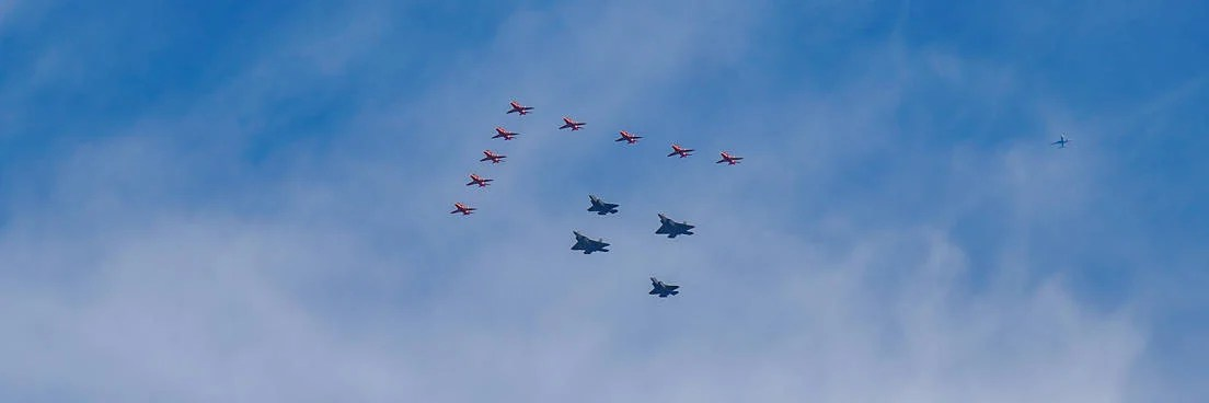 See the Red Arrows and Thunderbirds Aerobatic Teams Fly Over Manhattan in Rare Joint Display