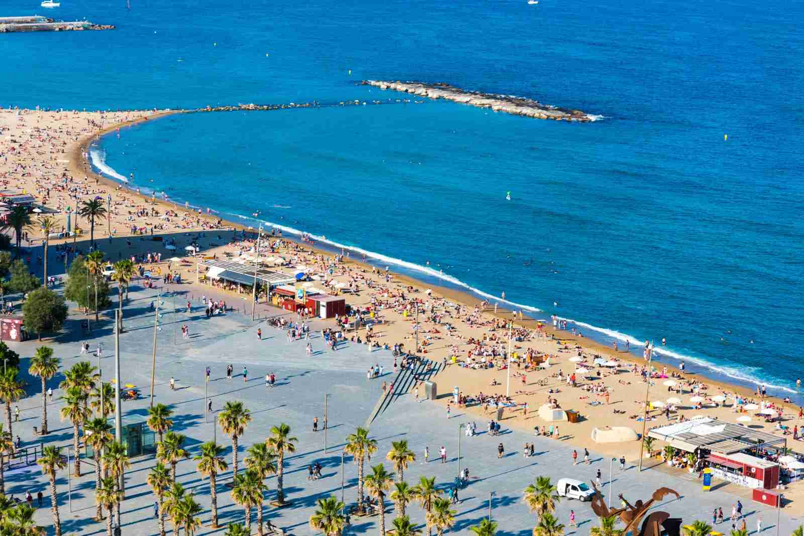 Barceloneta beach. (Photo by beyhanyazar / Getty Images)