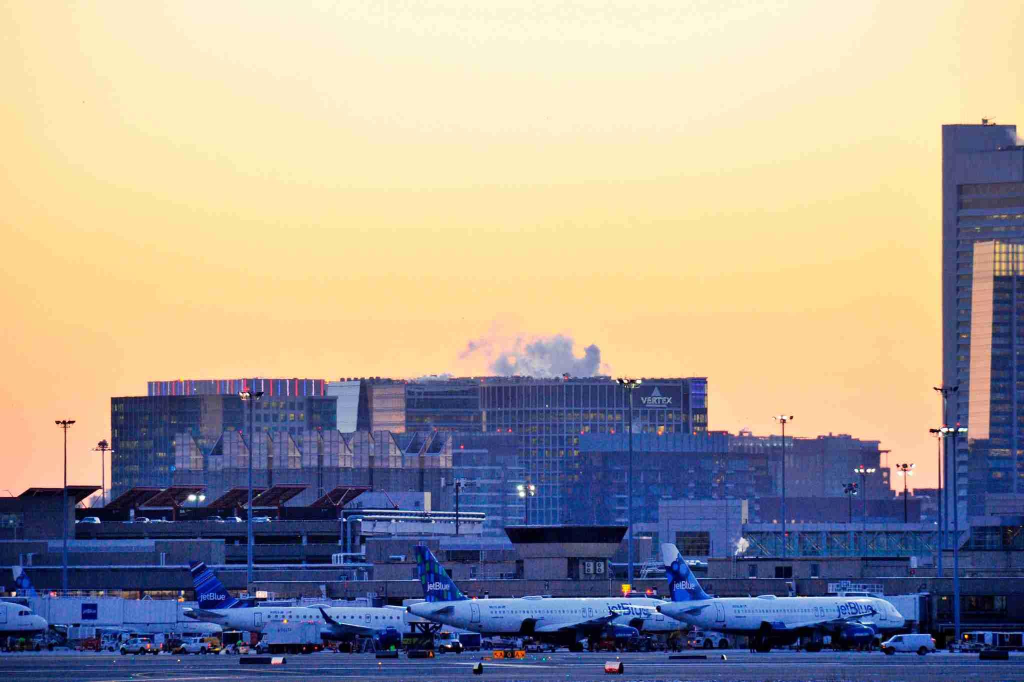 JetBlue aircraft at Boston Logan. (Photo by JOSEPH PREZIOSO/AFP/Getty Images)