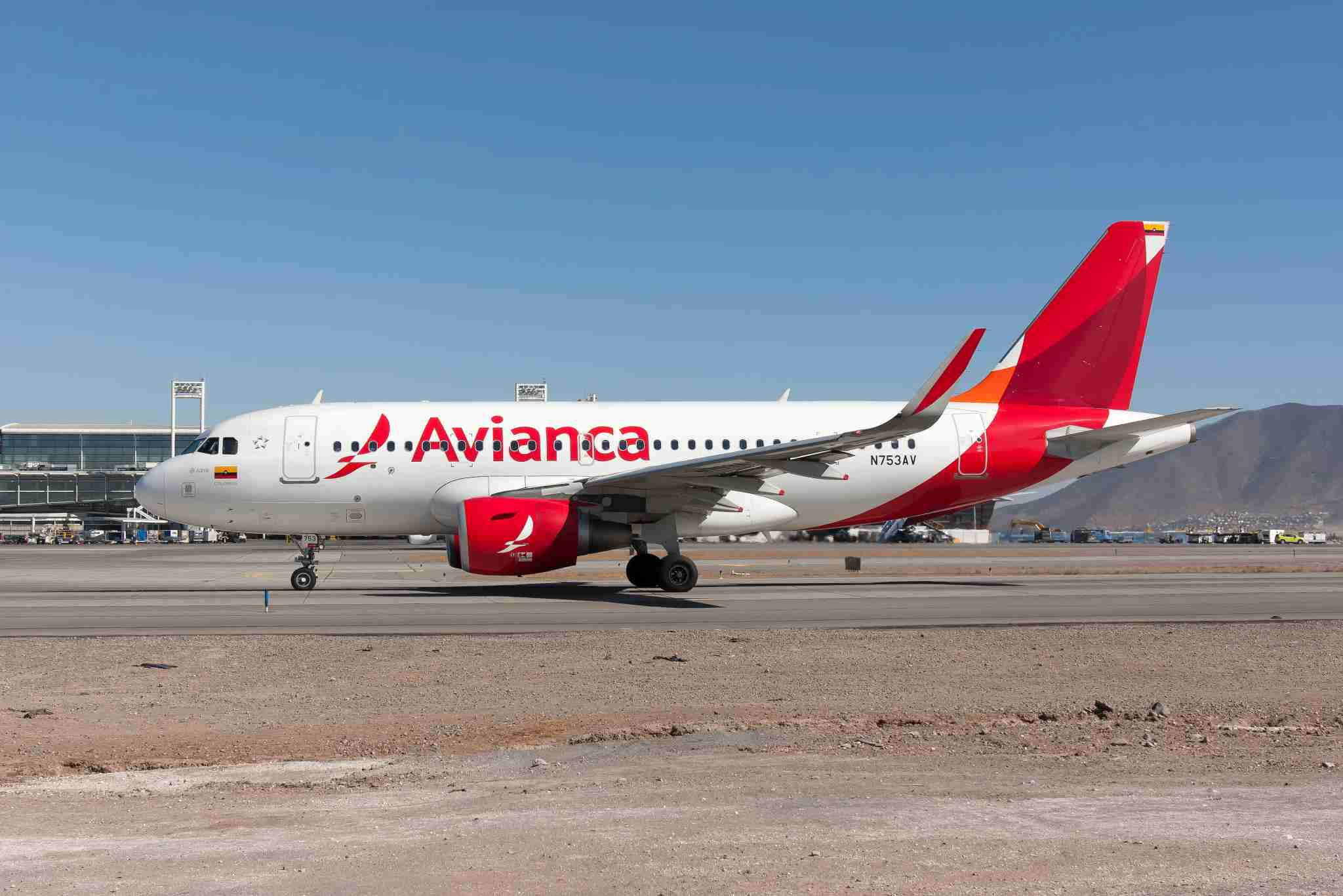 ARTURO MERINO BENITEZ AIRPORT, SANTIAGO, CHILE - 2019/03/19: An Avianca Airbus 319 taxiing at Santiago airport. (Photo by Fabrizio Gandolfo/SOPA Images/LightRocket via Getty Images)