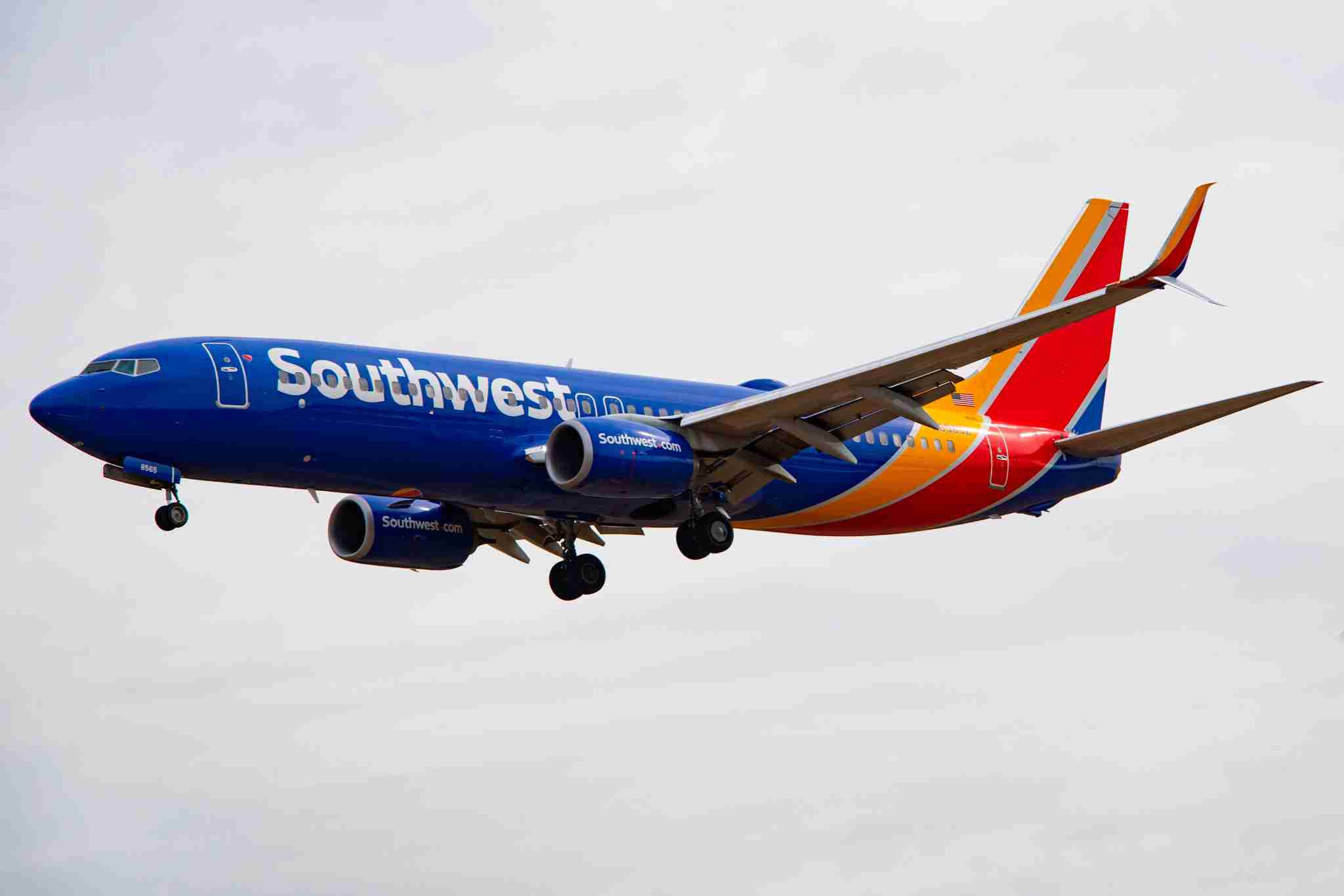 A Southwest Airlines Boeing 737-800 approaches for landing at Baltimore/Washington International Airport on March 11, 2019. (Photo by Jim WATSON / AFP)