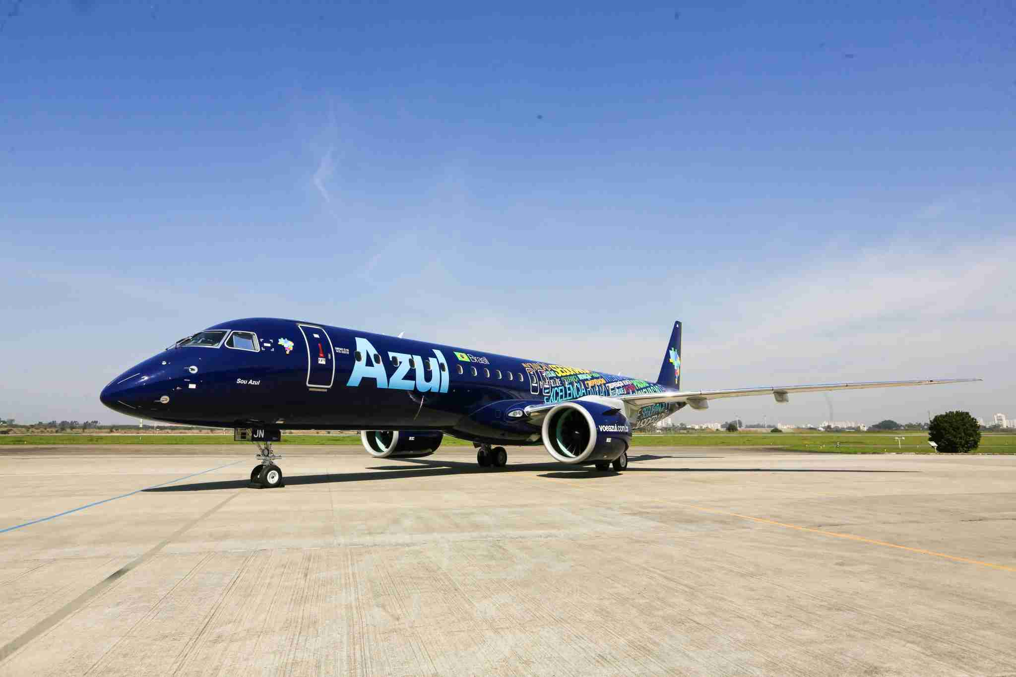 The first E195-E2 delivery to Azul. (Courtesy of Embraer)