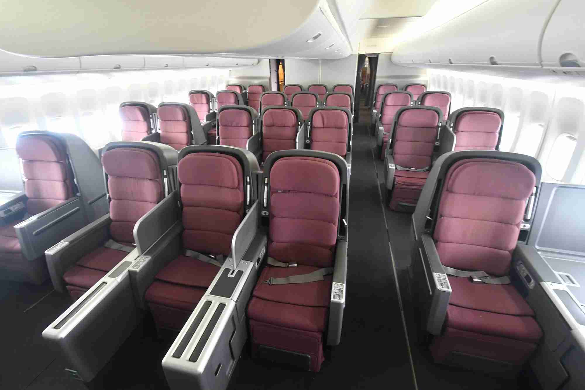 The business class cabin of a Qantas 747. (Photo by Alberto Riva/The Points Guy)