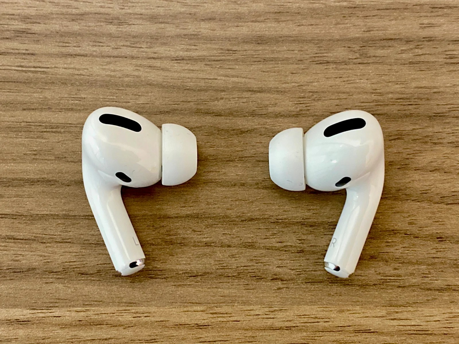 5 Reasons Apple S Airpods Pro Are My Go To For Long Flights