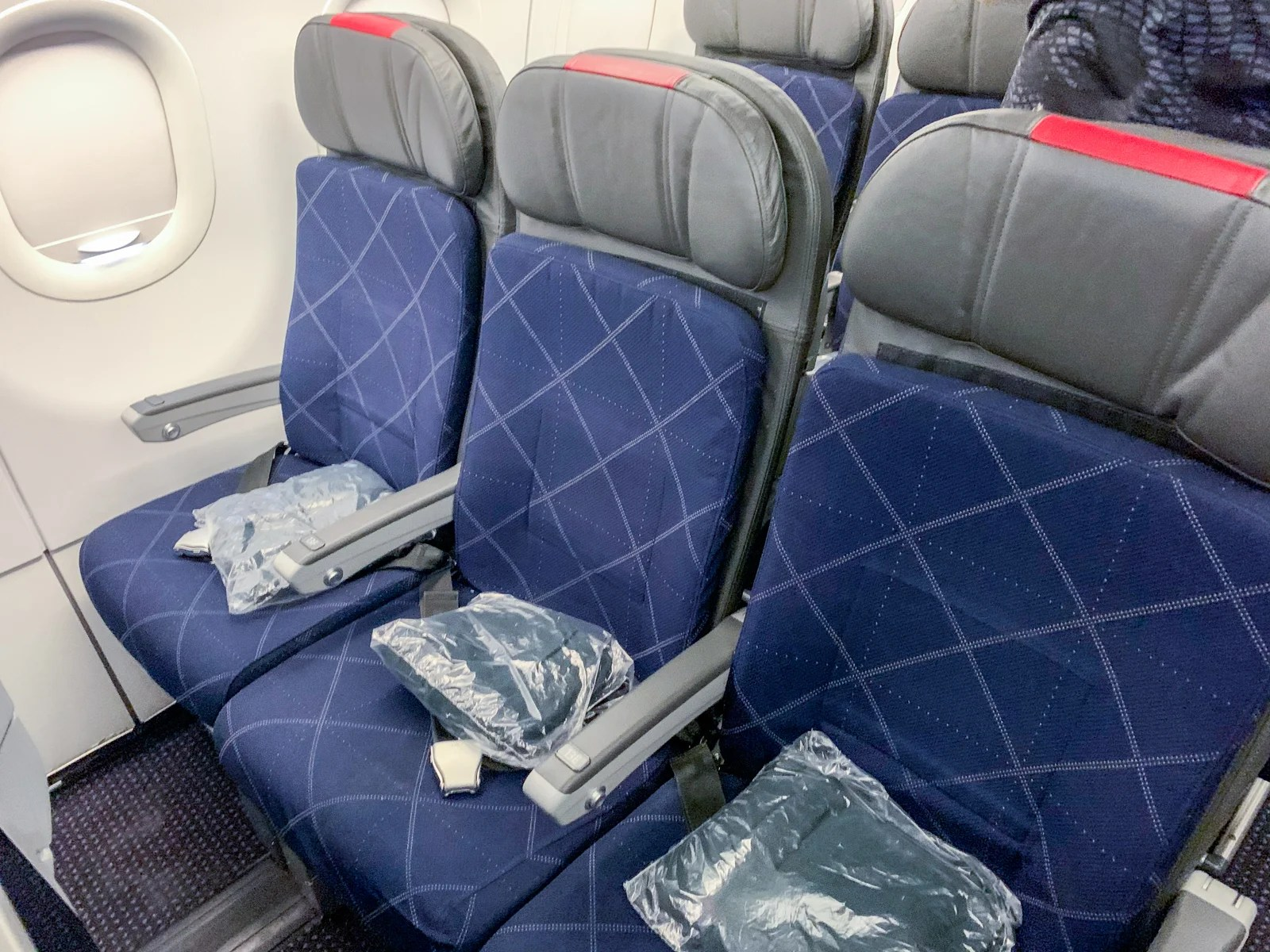 Adequate across America: A review of American Airlines in economy on the A321T from JFK to LAX