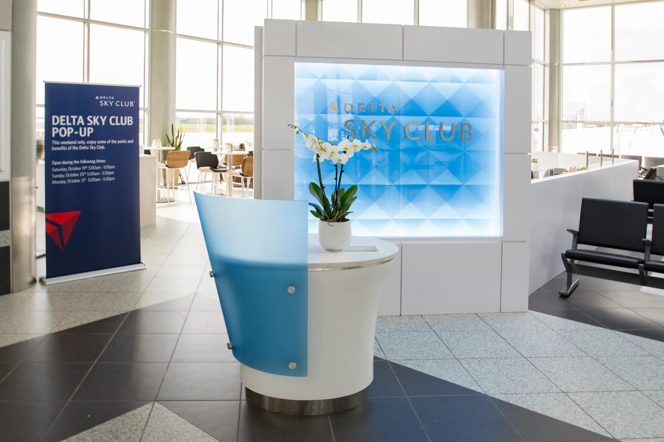 Delta surprises passengers with pop-up Sky Clubs