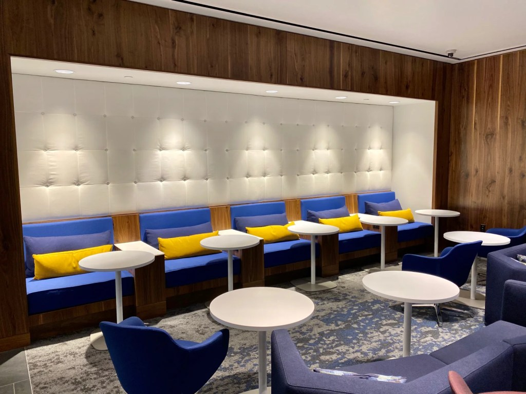 New Amex Centurion Lounge in Phoenix (Photo by Zach Griff/The Points Guy)