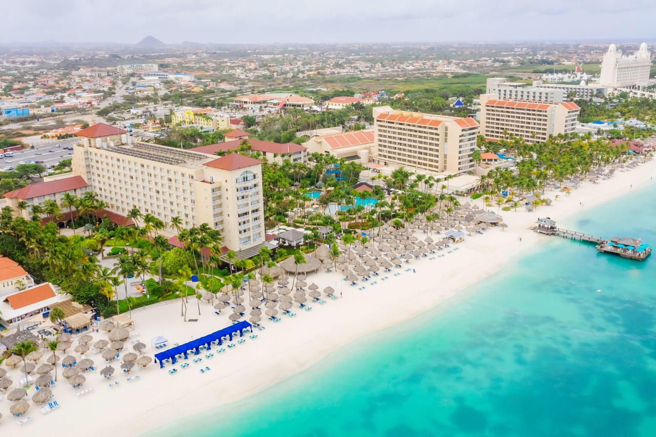 Hyatt Regency Aruba (photo courtesy of booking.com)