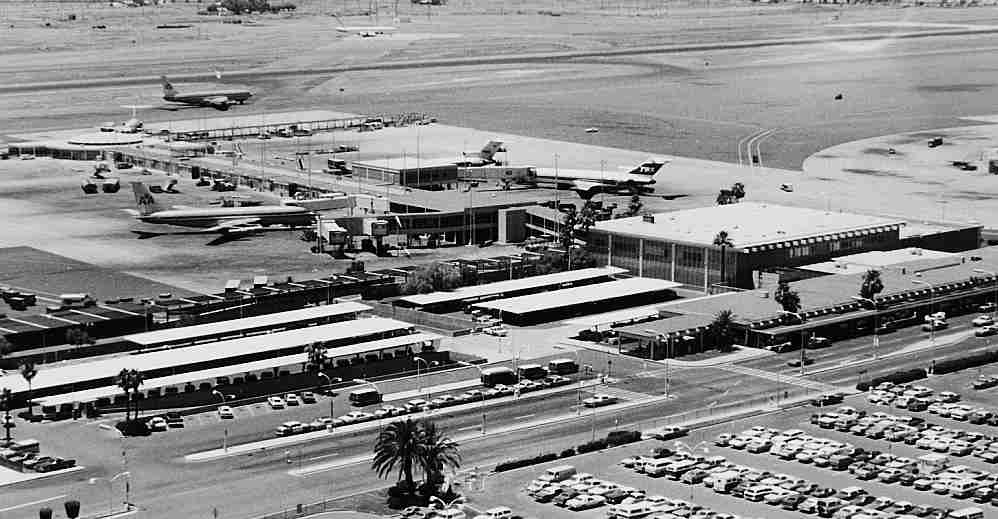 American Airlines and TWA both operated from Terminal 2 at Phoenix Sky Harbor airport in the 1970s. (Image courtesy of Phoenix Sky Harbor International Airport)