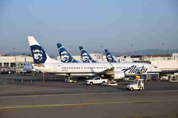 Alaska Airlines Boeing 737s in Seattle (Photo by Alberto Riva / The Points Guy)