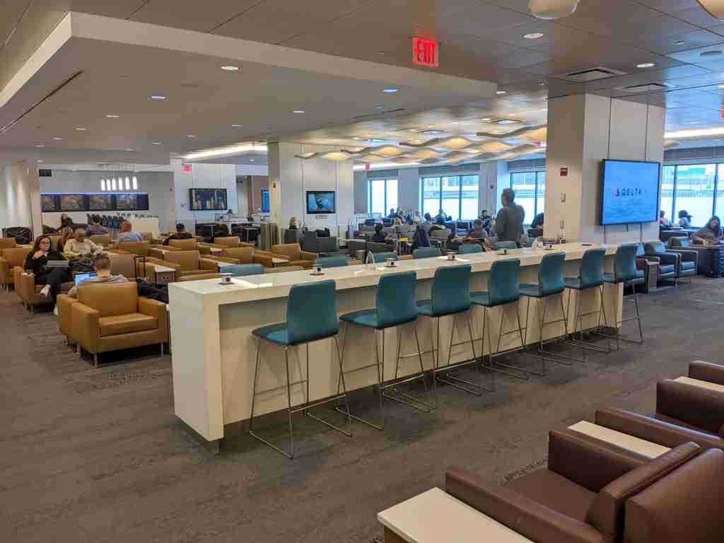 The Delta Sky Club at La Guardia Airport Terminal C/D. (Photo by Alberto Riva/The Points Guy)