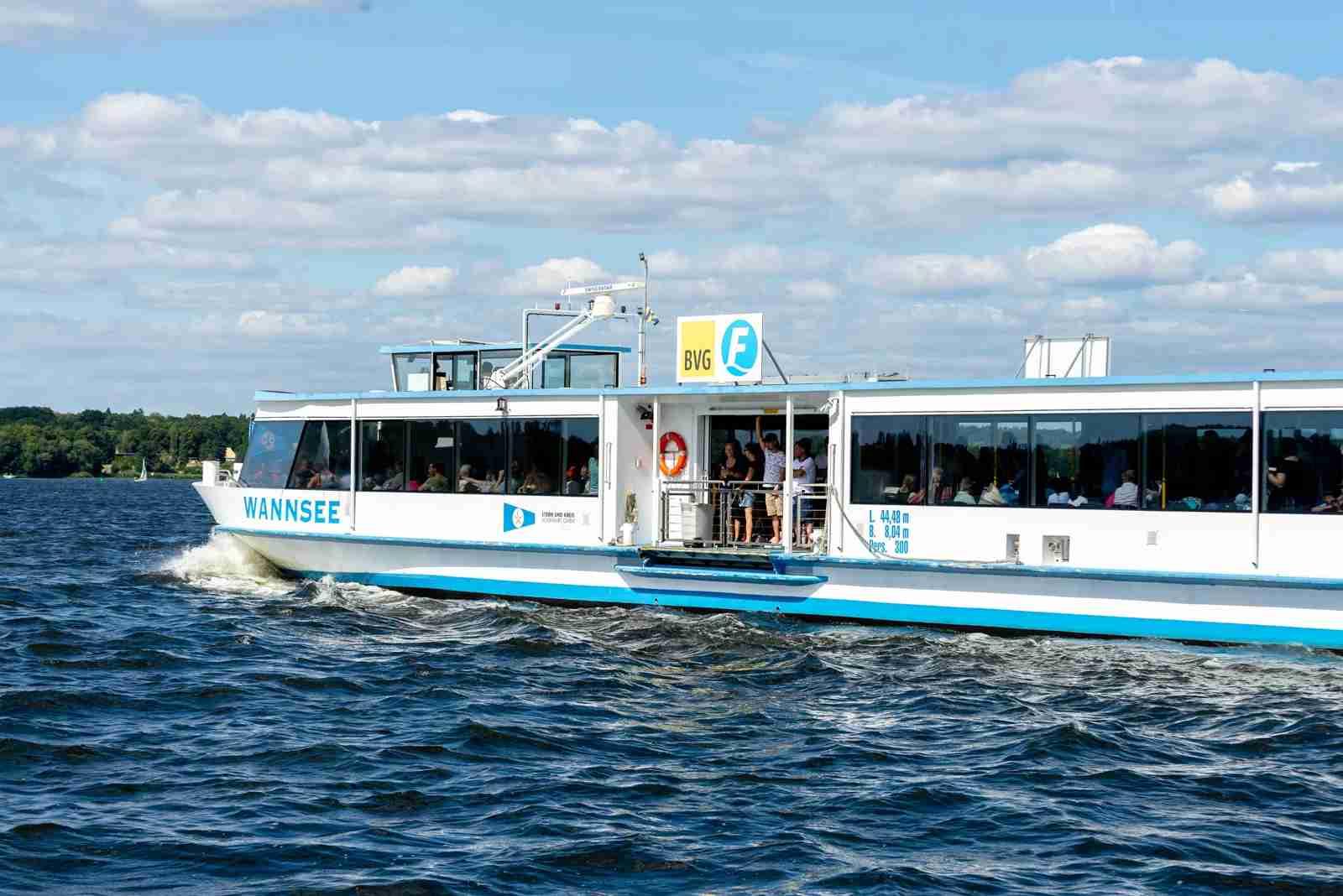 The F10 Ferry on Großer Wannsee. (Photo by gph foto.de/Shutterstock)