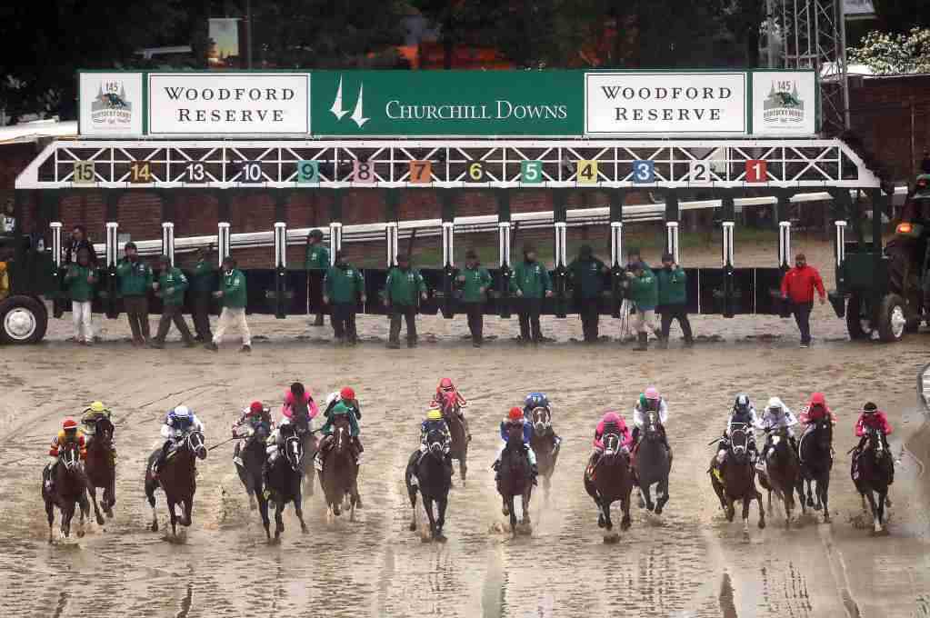Go to the Kentucky Derby with exclusive offers with the Centurion card. LOUISVILLE, KENTUCKY - MAY 04: The field breaks from the gate at the start of the 145th running of the Kentucky Derby at Churchill Downs on May 04, 2019 in Louisville, Kentucky. (Photo by Jamie Squire/Getty Images)
