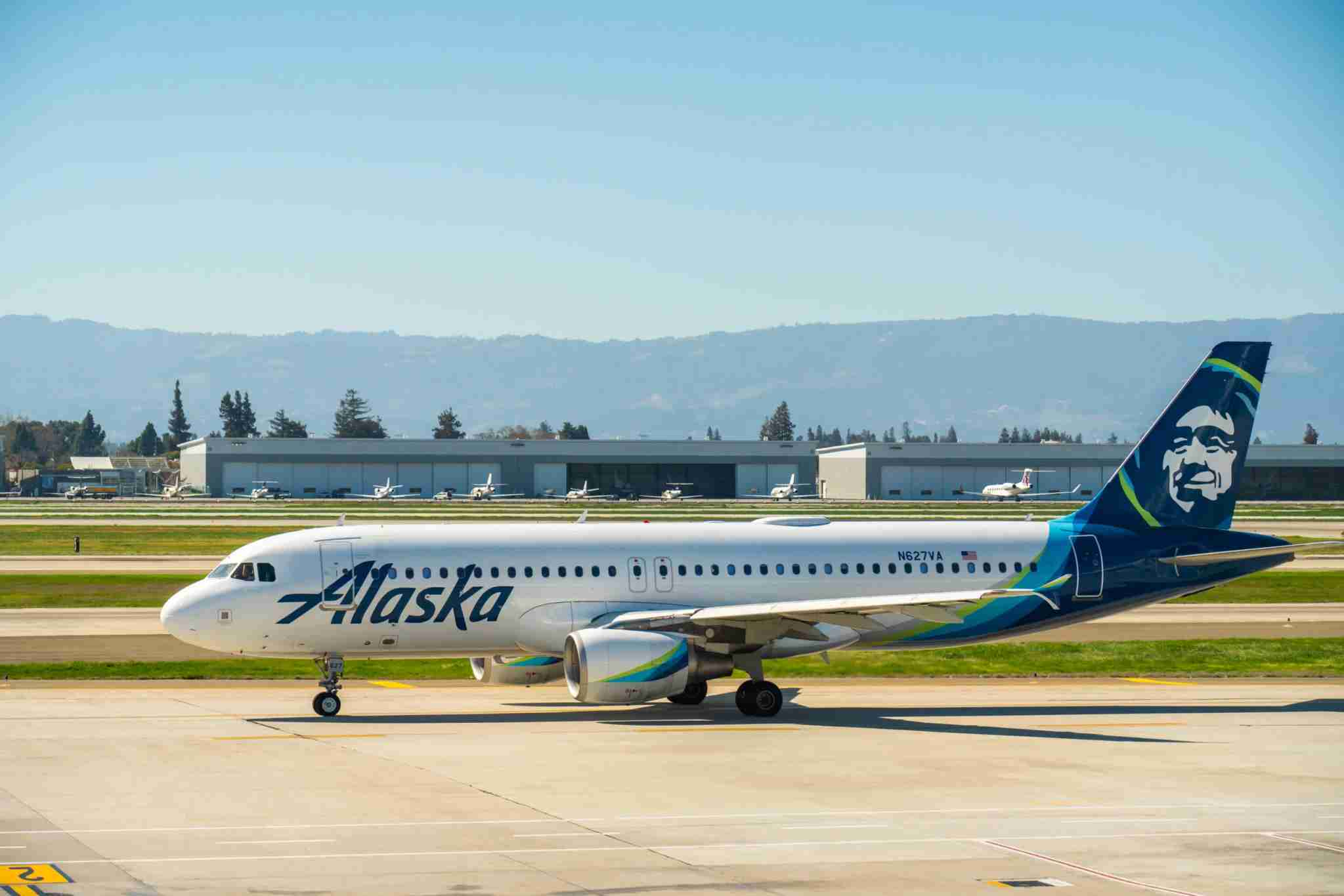 SAN JOSE, UNITED STATES - 2020/02/25: Alaska Airlines Airbus A320-200 aircraft seen at Norman Y. Mineta San Jose International Airport. (Photo by Alex Tai/SOPA Images/LightRocket via Getty Images)
