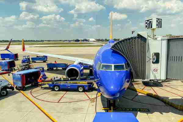 Southwest 737-700 at the gate in Chicago-Midway