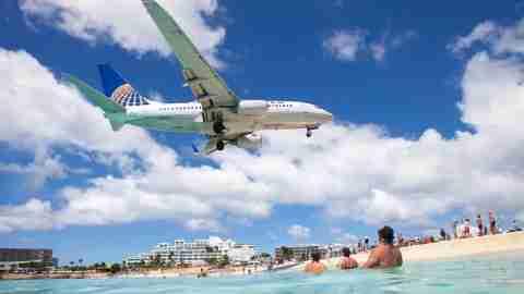 United 737 Landing at SXM