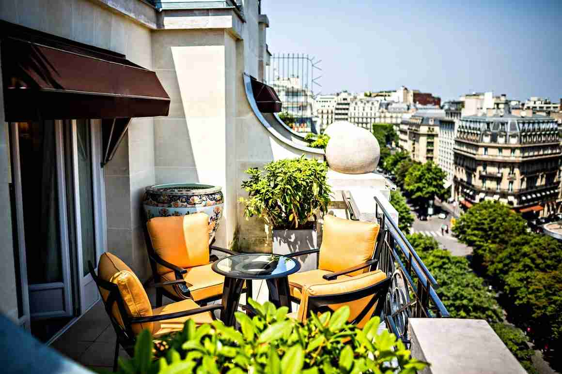 The Suite Saphir at Prince de Galles with two furnished terraces overlooking Avenue George V. (Photo courtesy of Marriott)